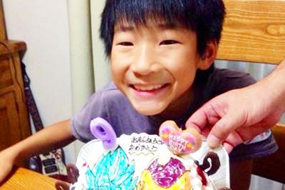 【ありがとうの声】高クオリティなキャラケーキで笑顔溢れる誕生日に