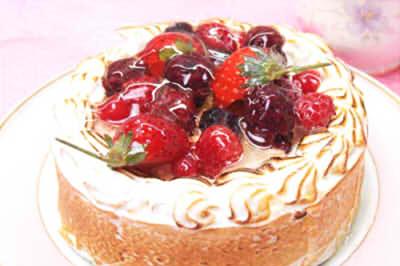 ディナーの後に食べるのにピッタリな誕生日ケーキとは?