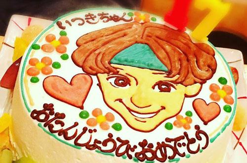 【お祝いをシェア】似顔絵ケーキで忘れられない誕生日祝い♡