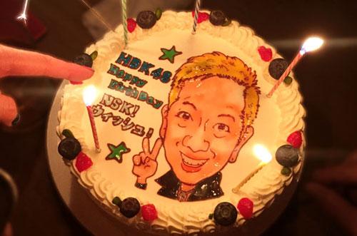【美容室hair make DISPLAYさま】似顔絵ケーキで社長の誕生日祝い!