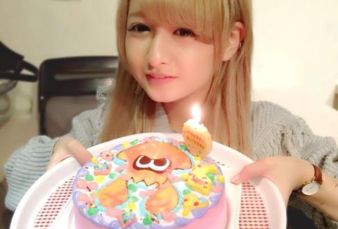 女子高生ユニット反則実行委員会みな氏の誕生日にイラストケーキ♡