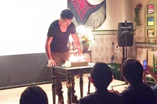 【株式会社レバレッジさま】パーティー用ケーキで社長の誕生日祝い!