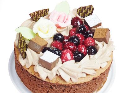 大人のデコレーションケーキでワンランク上のお祝いをしよう♪