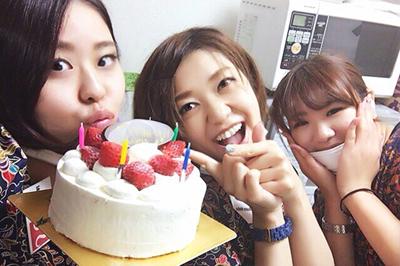 【ネイルサロンアジアンさま】ケーキで社員の誕生日祝いが大成功!