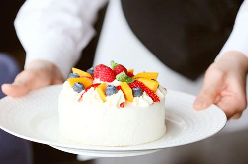 【過ごし方で選ぶ】カップルにおすすめのケーキでの記念日祝い♡