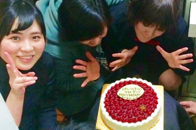 【人気カフェチェーン店さま】開店7周年記念をケーキでお祝い!