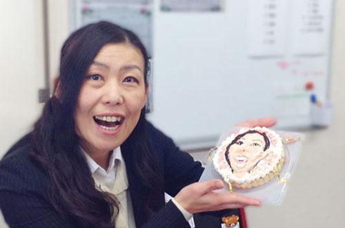 【株式会社クリーンスターさま】似顔絵タルトで社員の誕生日祝い♪