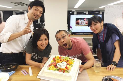 【株式会社favyさま】特別なパーティーケーキで盛り上がる移転祝い