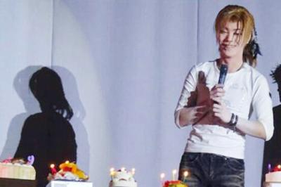 【大衆演劇劇団天華さま】ケーキでファンとの絆深まる誕生日に!