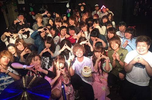 【THE774'sGONBEE】鈴木勤さん生誕祭にフォトケーキのサプライズ