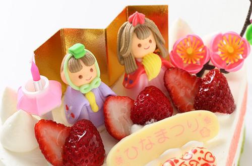 ひな祭りの由来とお祝いに欠かせない『ひな祭りケーキ』とは?