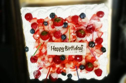 【リサイクル業A社さま】パーティーケーキで社員の誕生日を演出♪