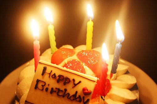 誕生日ケーキの出し方は?女友達や彼女に喜ばれるお祝い方法!