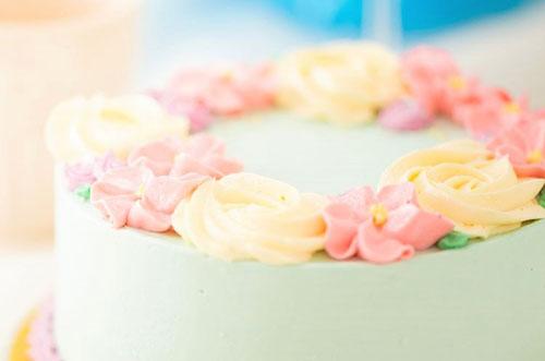 女子高生の娘に♡親からもらって嬉しい誕生日ケーキのプレゼント特集