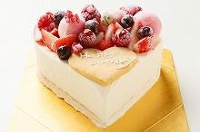 ハート型ベリーのバニラアイスケーキ