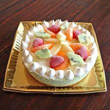 たっぷりフルーツの抹茶アイスケーキ