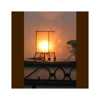 バリ島手作り インテリアランプ レザー 白【インテリア 照明 誕生日 バースデー ギフト 贈り物 プレゼント お祝い】の画像1枚目