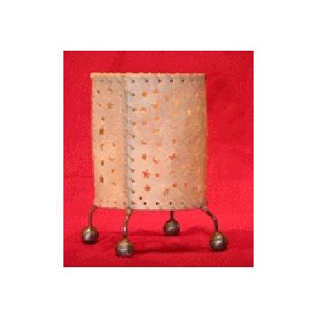 バリ島手作り インテリアランプ レザー 白【インテリア 照明 誕生日 バースデー ギフト 贈り物 プレゼント お祝い】の画像2枚目