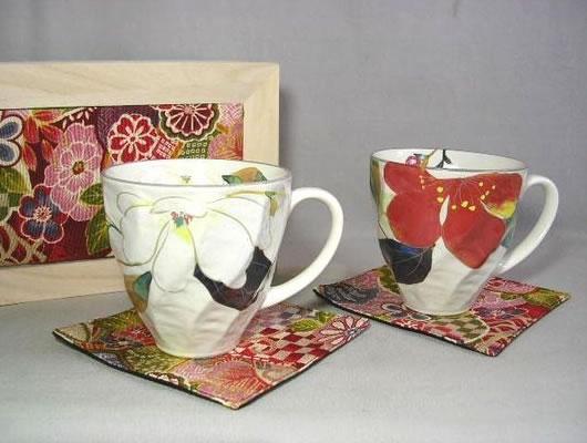 花かいろう ペアマグカップ(ちりめん箱入り)【誕生日 バースデー ギフト 贈り物 プレゼント お祝い 焼き物 食器】