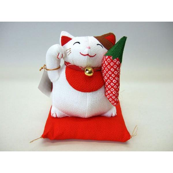 置物 招き猫 福猫 魔除け 赤いとうがらし ぬいぐるみ ちりめん 【和 雑貨 誕生日 バースデー ギフト 贈り物 プレゼント お祝い】の画像1枚目