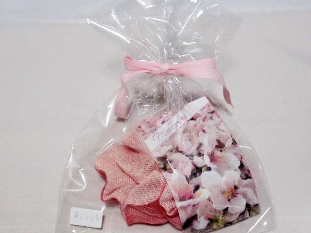 シュシュ2色【誕生日 バースデー ギフト 贈り物 プレゼント お祝い 桃の花 和】の画像3枚目