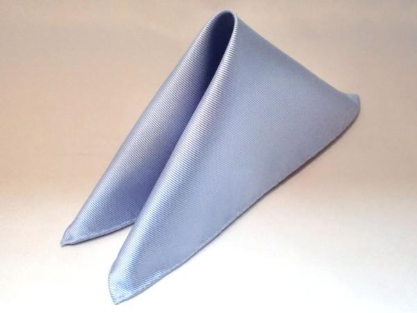 シルク100%日本製 綾織無地ポケットチーフ サックス::1207【メンズファッション】記念日向けギフトの通販サイト「バースデープレス」