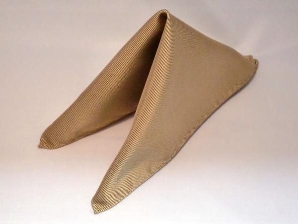 シルク100%日本製 綾織無地ポケットチーフ ベージュ::1207【メンズファッション】記念日向けギフトの通販サイト「バースデープレス」