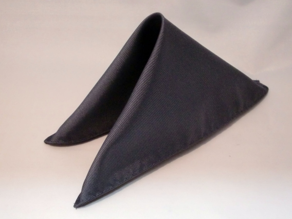 シルク100%日本製 綾織無地ポケットチーフ ダークグレー::1207【メンズファッション】記念日向けギフトの通販サイト「バースデープレス」
