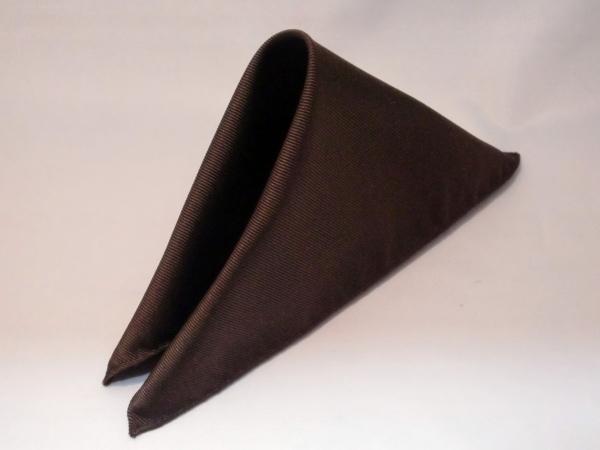 シルク100%日本製 綾織無地ポケットチーフ ブラウン::1207【メンズファッション】記念日向けギフトの通販サイト「バースデープレス」