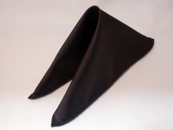 シルク100%日本製 綾織無地ポケットチーフ ダークブラウン::1207【メンズファッション】記念日向けギフトの通販サイト「バースデープレス」