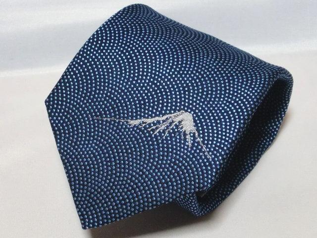 富士桜工房ネクタイ『和』 鮫小紋・富士山ワンポイント 紺色