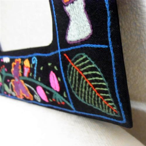 ★南アフリカ★ファンシーステッチ 刺繍ミラーS(花)【誕生日 バースデー ギフト 贈り物 プレゼント お祝い】の画像2枚目