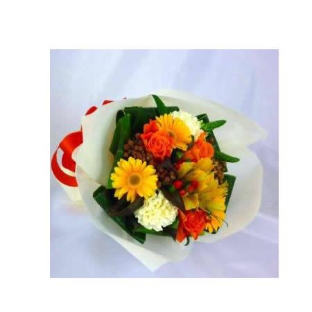 【送料無料】スタッフお任せ花束☆【ラウンド・イエロー/オレンジ系 S】【花 花束 ブーケ フラワーギフト プレゼント お祝い 誕生日 贈り物】