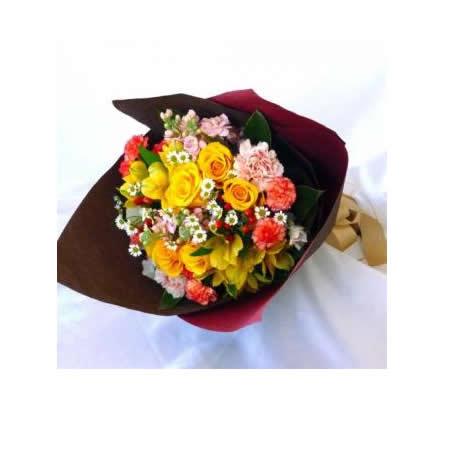 【送料無料】スタッフお任せ花束☆【ラウンド・イエロー/オレンジ系 L】【花 花束 ブーケ フラワーギフト プレゼント お祝い 誕生日 贈り物】