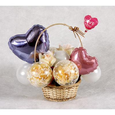 ローズアレンジ卓上タイプ【風船 かわいい 誕生日 バースデー ギフト 贈り物 プレゼント 結婚祝い ウェディング】の画像1枚目