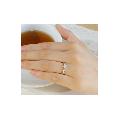 pt950 ウェーブライン ダイヤモンドリング【アクセサリー ジュエリー 誕生日 バースデー プレゼント 贈り物 ギフト お祝い】の画像3枚目