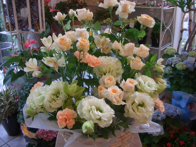 ベビースキン【花 アレンジメント フラワー 誕生日 バースデー プレゼント 贈り物 ギフト お祝い】の画像1枚目
