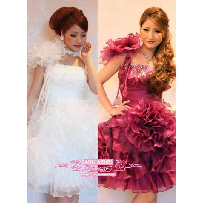 花コサージュで飾ったショート姫ドレスの画像2枚目