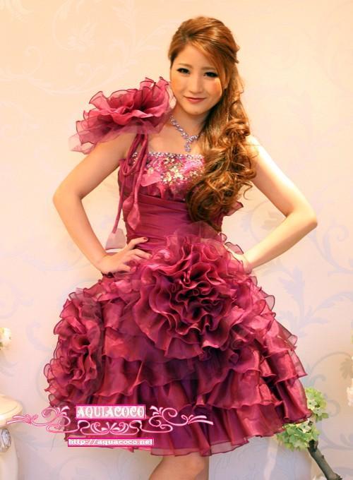 花コサージュで飾ったショート姫ドレスの画像1枚目