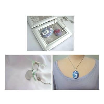 ジュエルDeCoRe、ネックレスTOP白青紫色【アクセサリー 誕生日 バースデー プレゼント 贈り物 ギフト お祝い】の画像2枚目