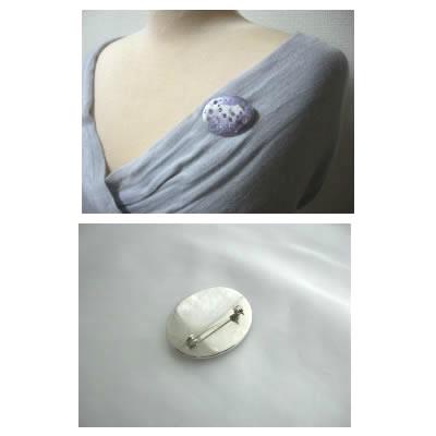 ジュエルDeCoRe紫と白色のマーブル、横長のブローチ【アクセサリー 誕生日 バースデー プレゼント 贈り物 ギフト お祝い】の画像2枚目