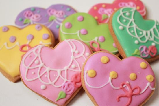ハートクッキー【アイシング クッキー デコ かわいい 焼き菓子 誕生日 バースデー プレゼント 贈り物 ギフト お祝い】の画像1枚目