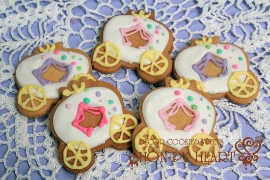 馬車クッキー【アイシング クッキー デコ かわいい 焼き菓子 誕生日 バースデー プレゼント 贈り物 ギフト お祝い】の画像1枚目