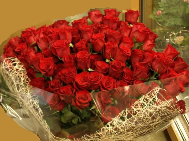 100本の大輪バラの花束 (花色選択できます)