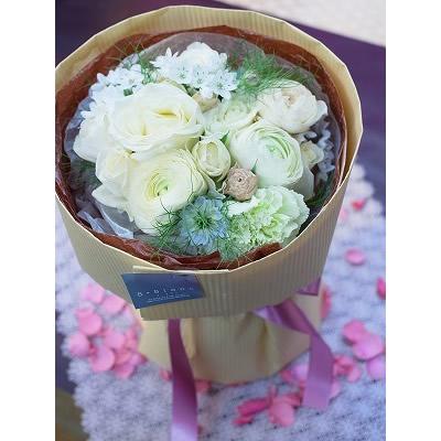 ホワイト&ベージュの花束【ブーケ 花束 花 フラワー 誕生日 バースデー プレゼント 贈り物 ギフト お祝い】の画像1枚目
