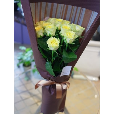 黄色のバラの花束【ブーケ 花束 花 フラワー 誕生日 バースデー プレゼント 贈り物 ギフト お祝い】の画像1枚目