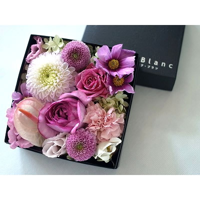 ボックスアレンジ【ピンク】【花 フラワー 誕生日 バースデー プレゼント 贈り物 ギフト お祝い】の画像2枚目