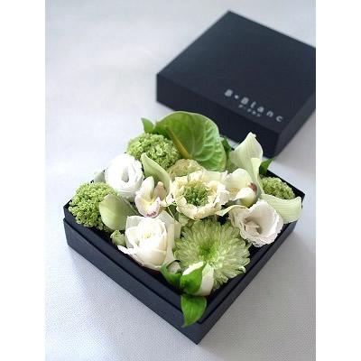 ボックスアレンジ【ホワイト】【花 フラワー 誕生日 バースデー プレゼント 贈り物 ギフト お祝い】の画像2枚目