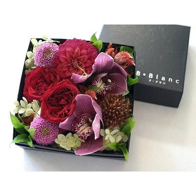 ボックスアレンジ【レッド】【花 フラワー 誕生日 バースデー プレゼント 贈り物 ギフト お祝い】の画像2枚目