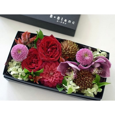 ボックスアレンジメント【レッド】L【花 フラワー 誕生日 バースデー プレゼント 贈り物 ギフト お祝い】